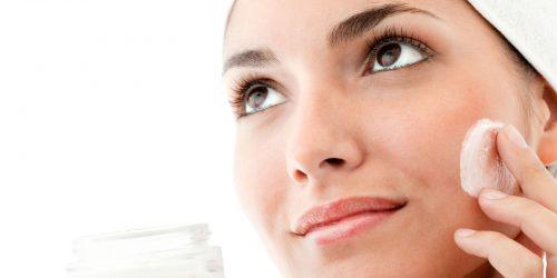 Moisturize while Improving Skin Tone