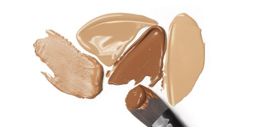Expert Tips To Selecting Foundation Based On Your Age