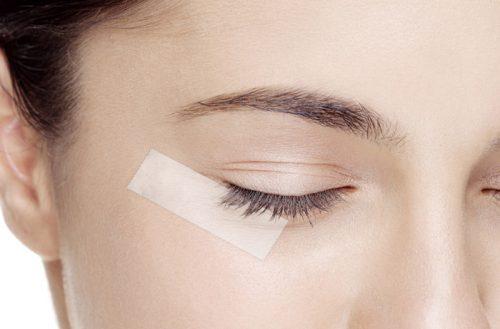 Use Tape To Apply Smoldering Eyeshadow