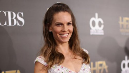 Hilary Swank Matches Her Eye Makeup To Her Dress - Again!