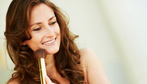 Easy Way To Get A Streak-Free Glow In The Wintertime