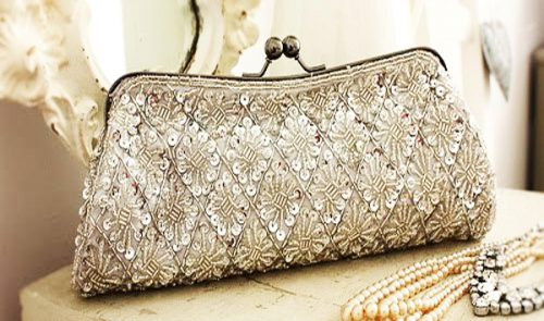 Top 3 Beauty Products Every Bride Should Have In Her Clutch