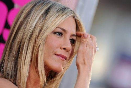 Just Go With Jennifer Aniston: On Looking Fresh