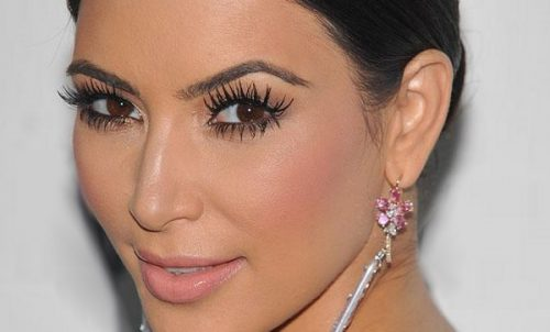 There's More Than One Way To Get Model-Worthy Lashes