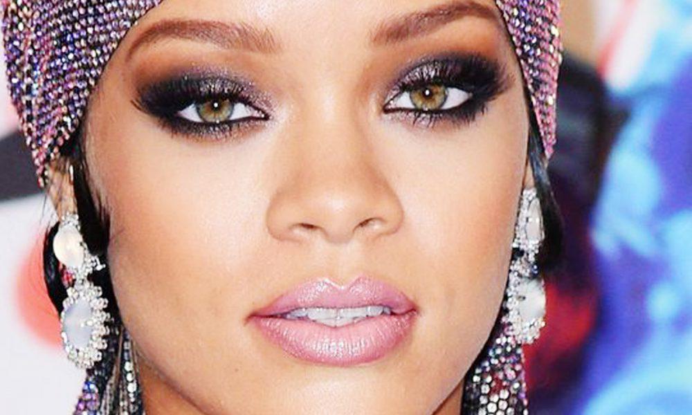A Word On Rihanna's Smoldering Grammys Makeup