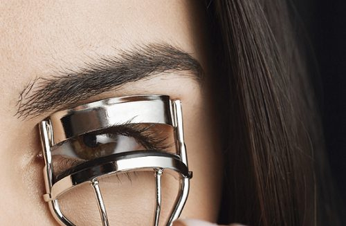 Curling Eyelashes