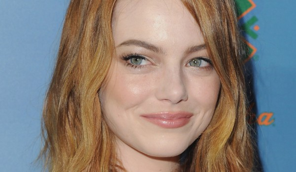Get Emma Stone's Pink And Bronze Look