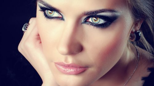 The Sexiest Smoky Eye Possible