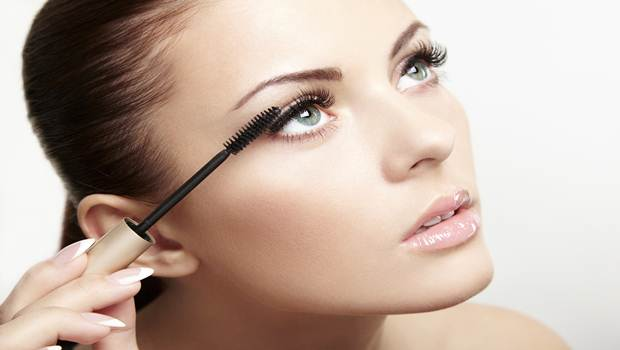 How To Use Waterproof Mascaras Without Sacrificing Anything