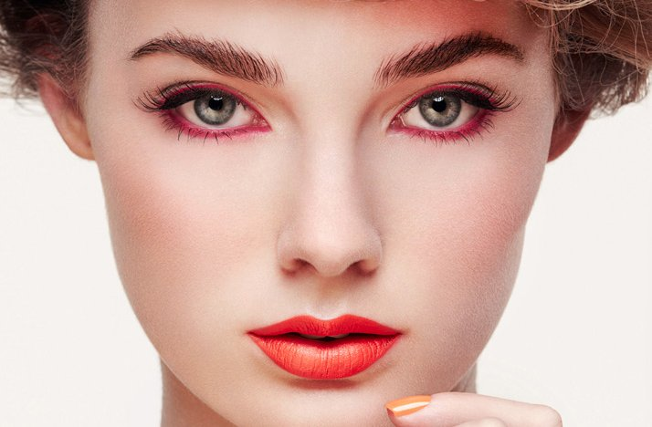 Go Red With Your New Year's Eve Eyeliner