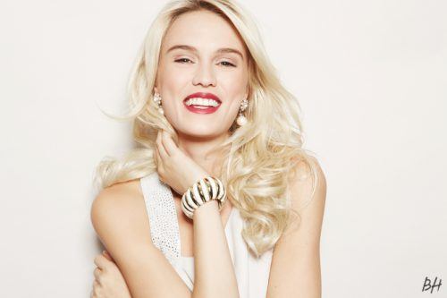 Eight Things To Do With Your Hair This Holiday Season