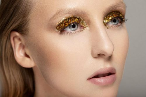 Highlight Brown Eyeliner With Gold Eyeshadow