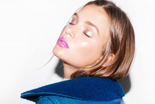 Bright Pink Pouts Are In For Spring