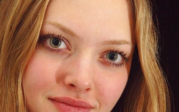 Making Close-Set Eyes Appear Farther Apart