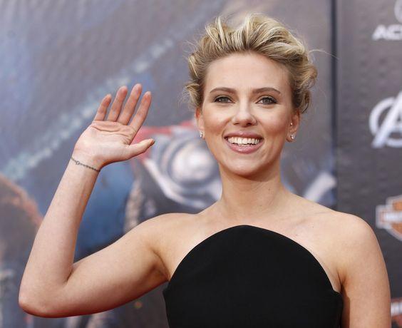 Scarlett Johansson Rocks A New Wrist Tattoo