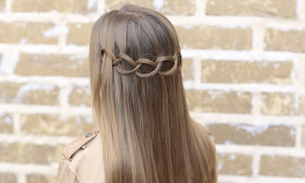 Chic New Hairstyle Idea: The Loop
