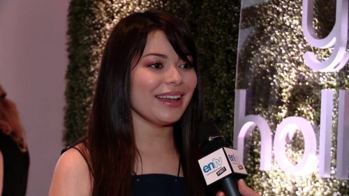 Want To Know Miranda Cosgrove's Secret For Pulling Off Pink Eyeshadow?