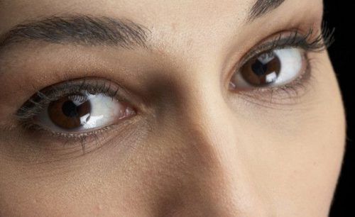 How Can You Achieve Wrinkle-Free Peepers?