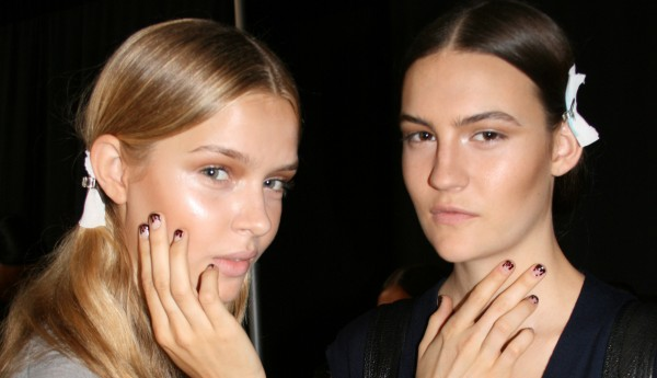 """How To Get The """"Blood-Dipped"""" Nails From Prabal Gurung"""