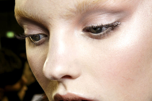 Silvery Taupe: The New Universally Flattering Eyeshadow Shade