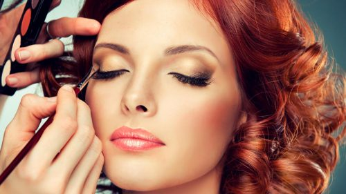 How To Apply Makeup Before A Big Photoshoot