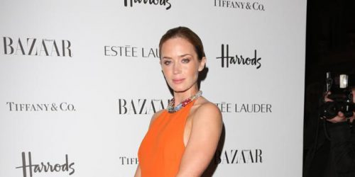 How To Get Glossy Lids Like Emily Blunt's