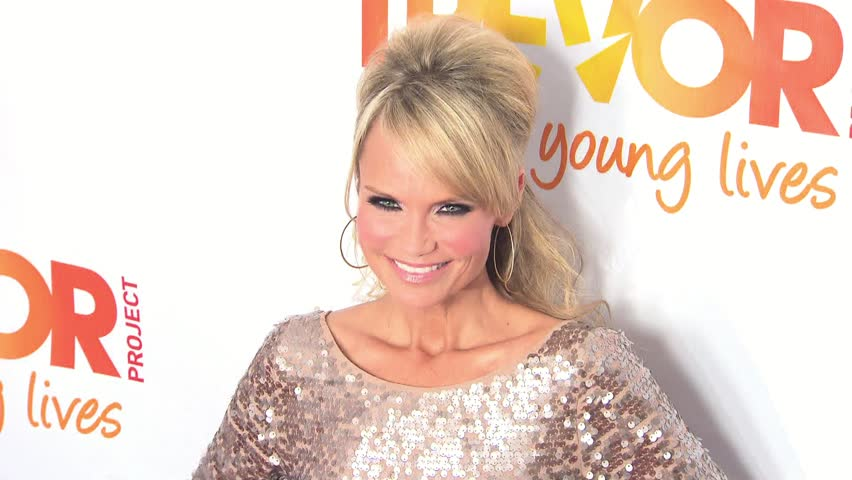 How Did Kristin Chenoweth Stand Out On The Red Carpet?