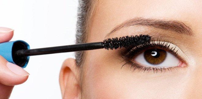 Three Things To Avoid While Applying Your Mascara