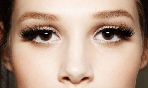 Make Your Lashes Truly Pop With These 3 Mascara Tips