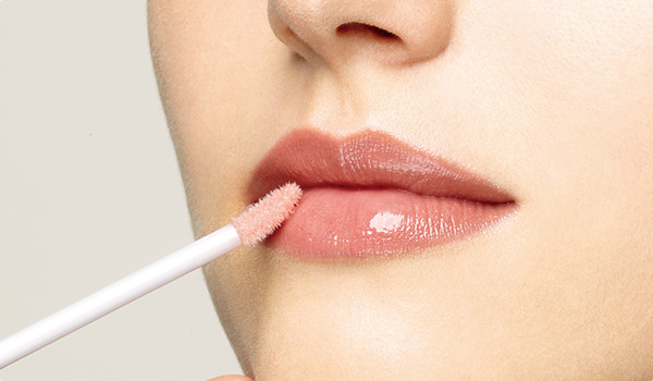 Three Ways To Confidently Sport Lip Gloss On Your Pout