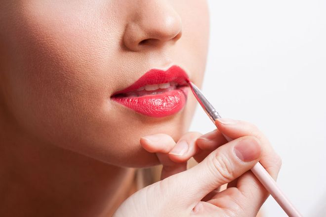Wear Your Lip Liner Flawlessly With These 3 Tips