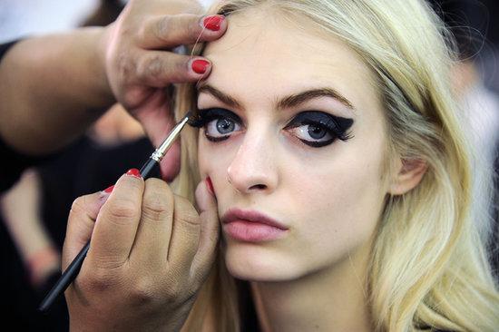 Key Tips For Wearing Black Eyeshadow Like A Pro