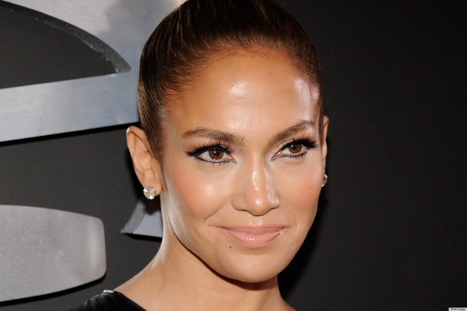 J Lo Goes Simple With Her Makeup For The 2013 Grammys The - Jlo-makeup