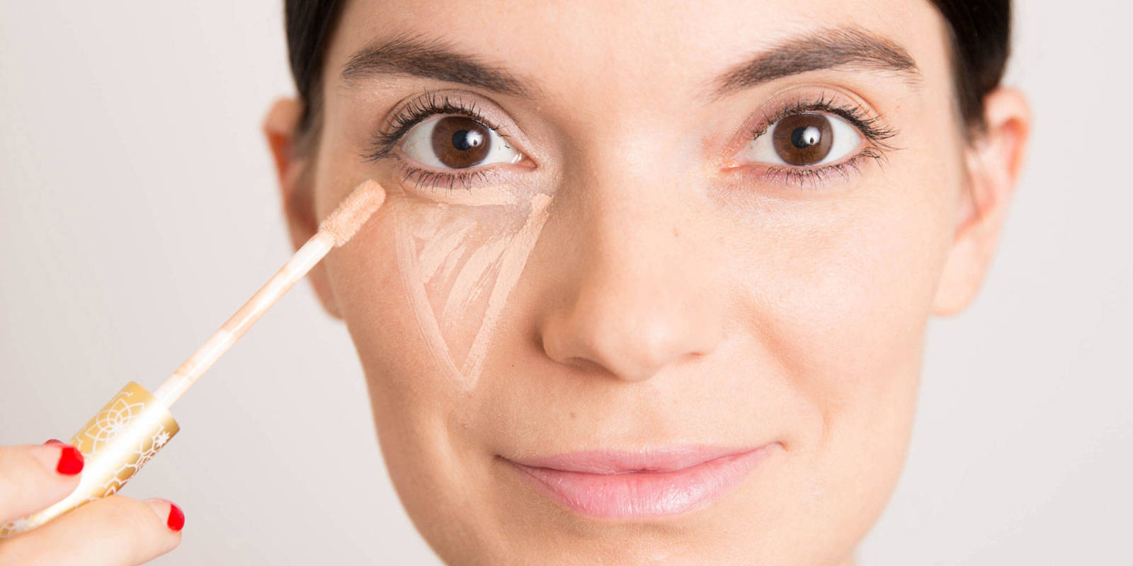 Is There A Right Way To Apply Concealer?