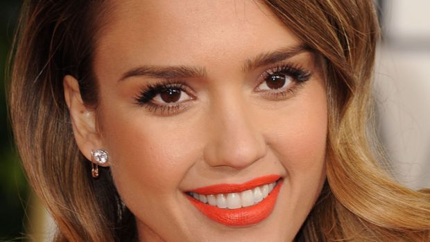 Jessica Alba Proves Orange Lipstick Can Be Stylish