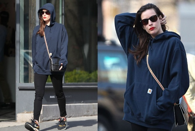 Liv Tyler Draws Attention On New York City Streets