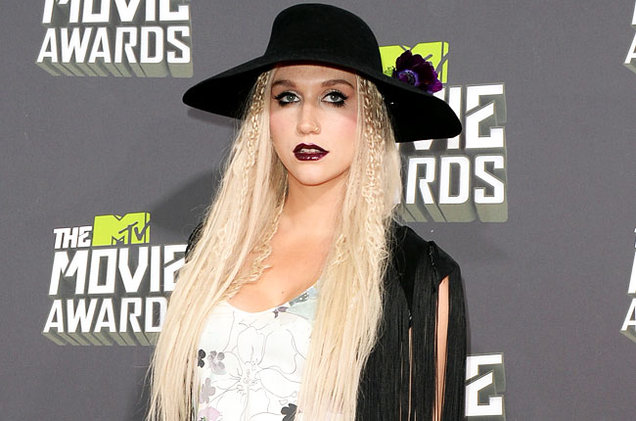 mtv-movie-awards-2013-fashion-kesha-650-430