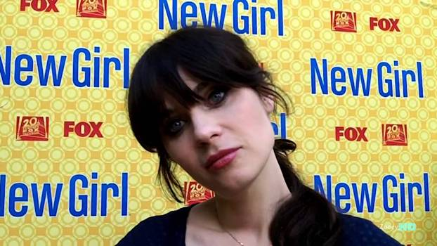 Zooey Deschanel Proves That You Can Wear Bold Lipstick Casually