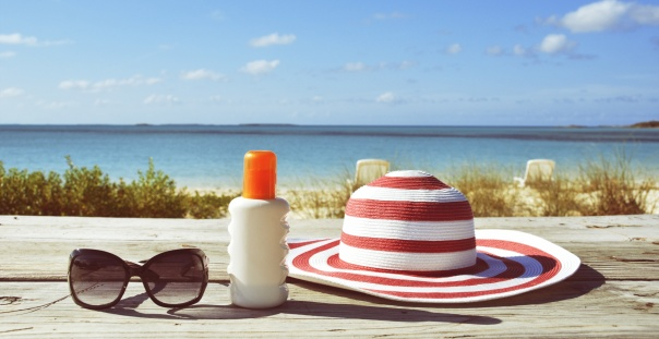3 Items You Must Have In Your Beach Bag This Summer