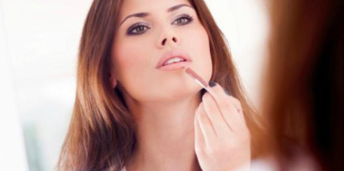 3 Ways To Help Your Makeup Beat The Summer Heat