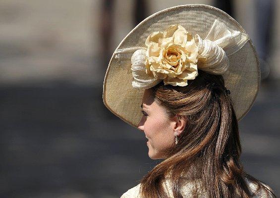 Kate-Middleton-Goes-Half-Up-Half-Down-Hair-Zara-Royal-Wedding