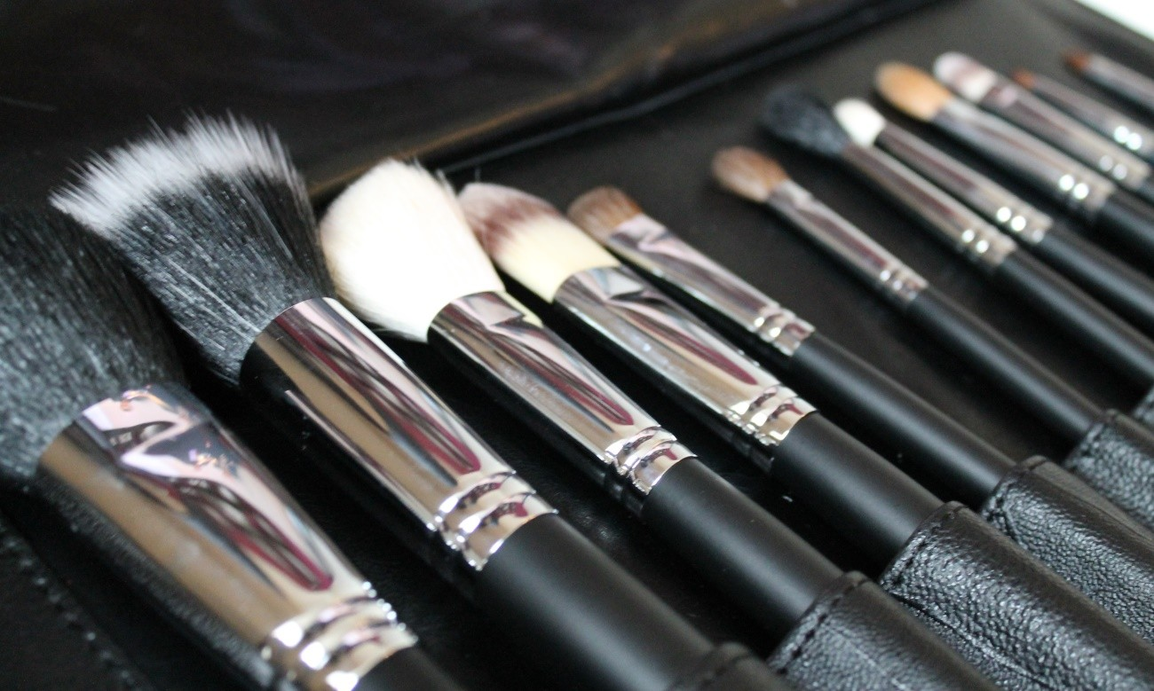 3-Step Guide To Cleaning Your Makeup Brushes