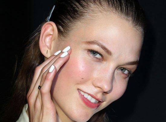 white-nail-polish-trend