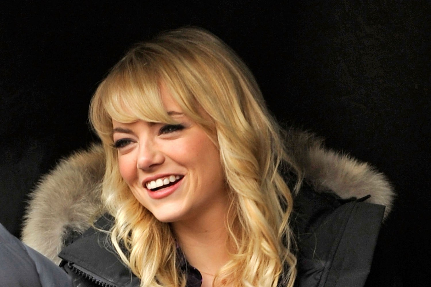 beauty-2013-04-08-emma-stone-bangs-haircut-celebrity-beauty-main