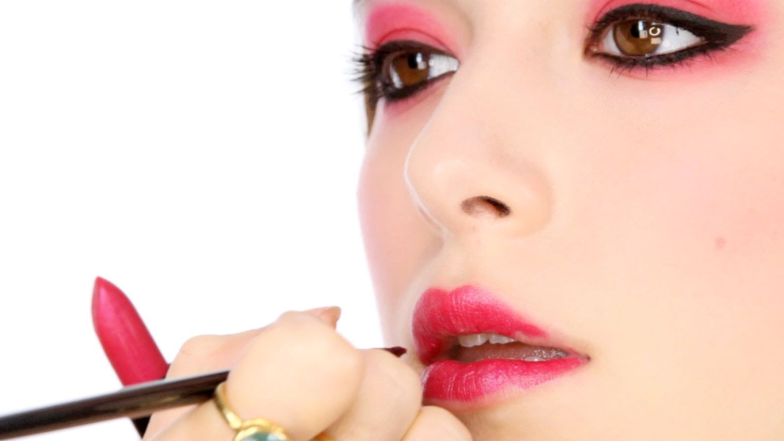 How To Rock Red Eyeshadow