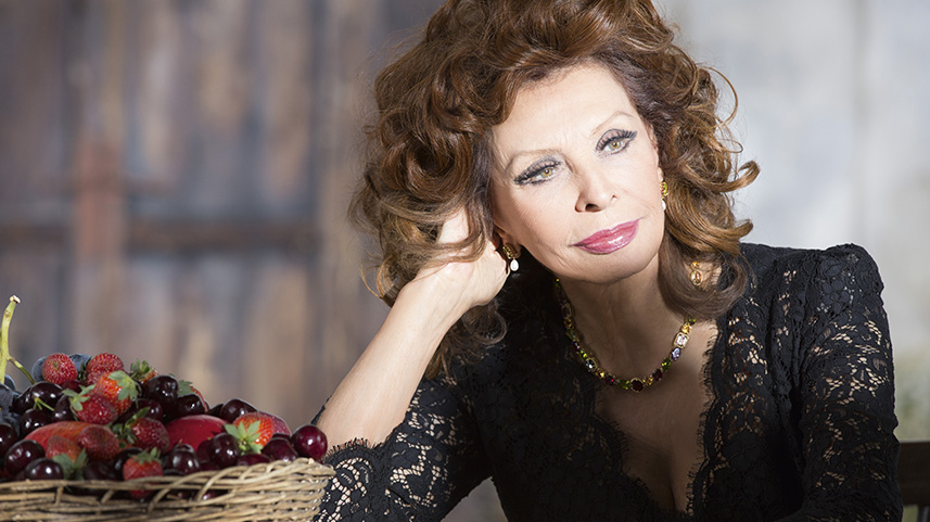 How To Get Dolce & Gabbana's Sophia Loren-Inspired Look