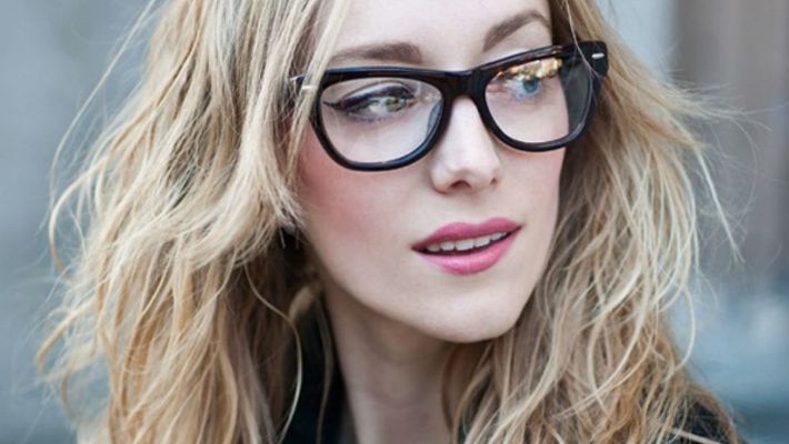 Gorgeous makeup tricks for girls who wear glasses