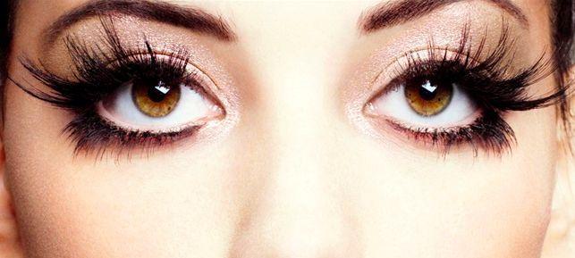 dramatic eye lashes