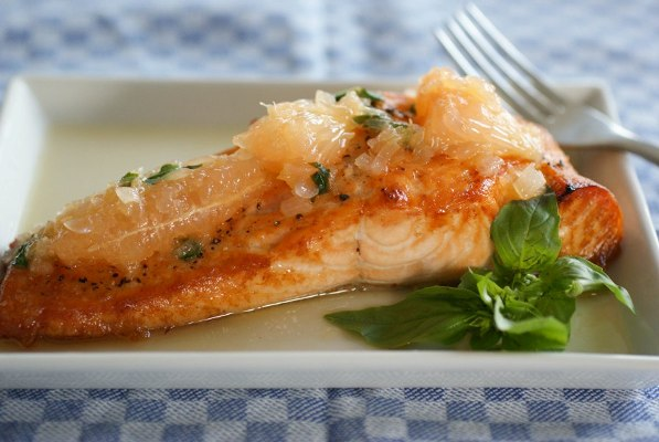 salmon with grapefruit sauce