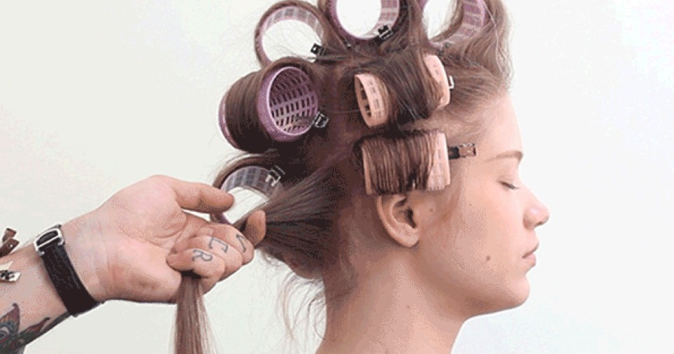 7 Steps to a Frizz-Proof Blowout at Home